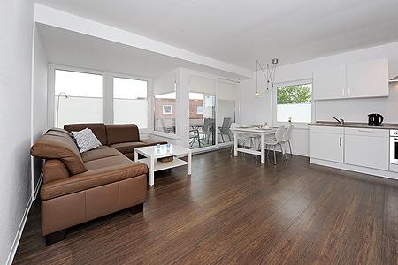 haus kunterbunt in bensersiel. Black Bedroom Furniture Sets. Home Design Ideas